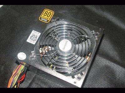 索尼CYBERSHOT,快门1/50秒,光圈F3.2,ISO100,闪光灯:Flash fired (自动), return light detected,焦距10.8,模式:程序自动,EV补偿1,加权测光