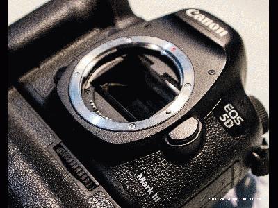 佳能Canon EOS M3,快门1/60秒,光圈F4.5,ISO4000,闪光灯:不闪 (强制),焦距25,模式:光圈优先,EV补偿0.6,加权测光