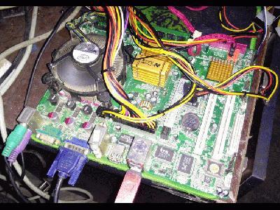 ZTE�ZTE C2016,快门1/25秒,光圈F1.9,ISO365,闪光灯:Flash fired (强制),焦距3.2,模式:unknown,中央偏重测光